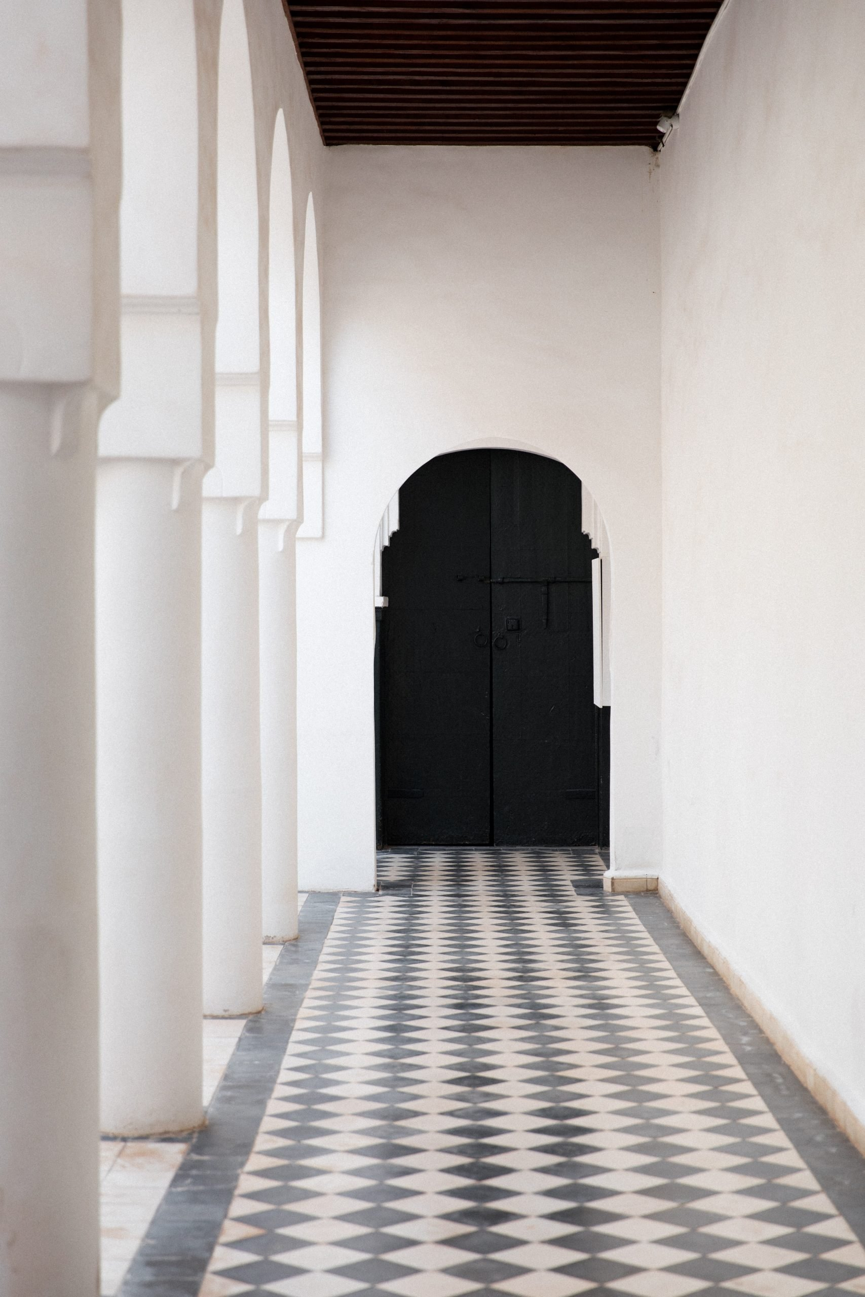 monochrome interior design ideas for home feature image